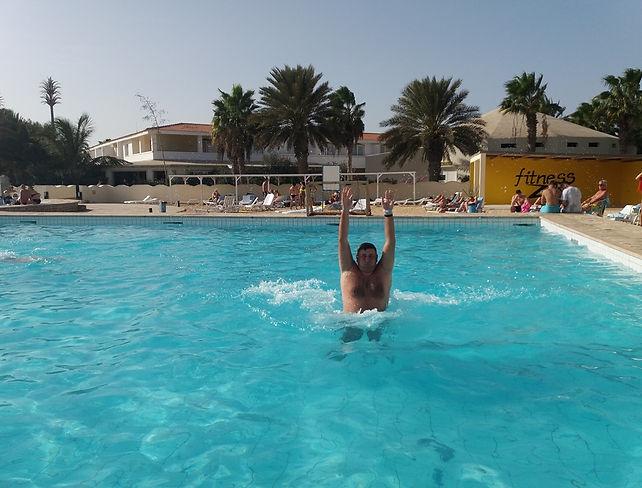 Бассейн отеля Отель Crioula Club Hotel & Resort
