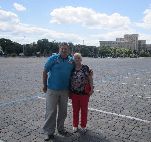 С Мамой на главной площади