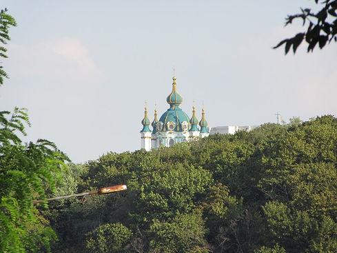 Вид на Андреевскую церковь