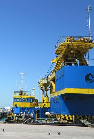 Украинский корабль в порту Батуми