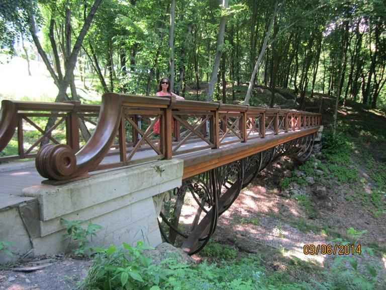 Мост через овраг в Межигорье