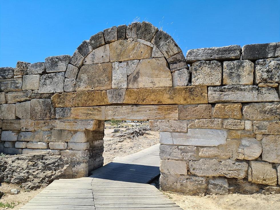 Входные ворота в Иераполис