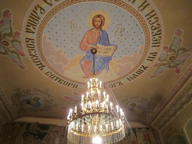 Люстра и роспись в Горянской ротонде
