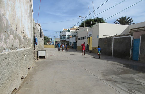 Футбол на улице города Санта Мария
