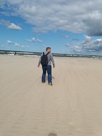Шагаю через дюну к морю