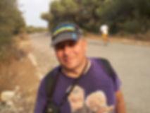 Спортсмен бегущий к храму Афайи