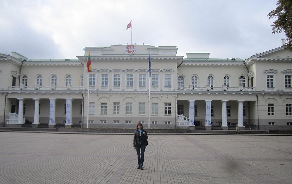 Возле Президентского дворца в Вильнюсе