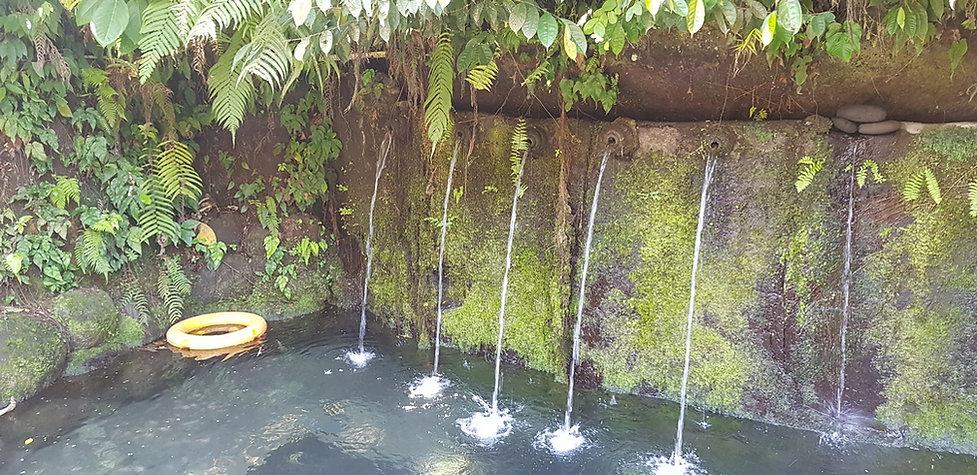 Место для омовения возле водопада Тегенунган