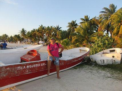 Лодка на северном пляже острова