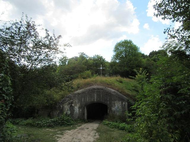 Подземный вход в Таракановский форт