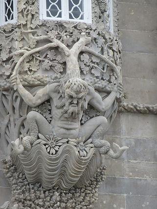 Архитектурные украшения дворца Пена