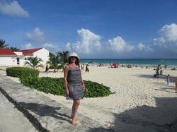 Пляж за спиной