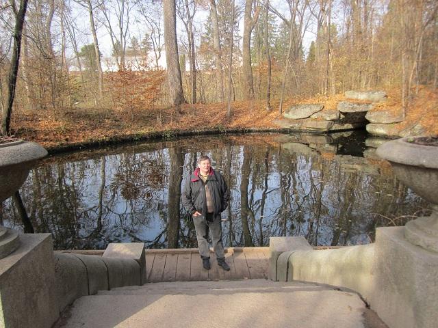 Озеро с подземным гротом