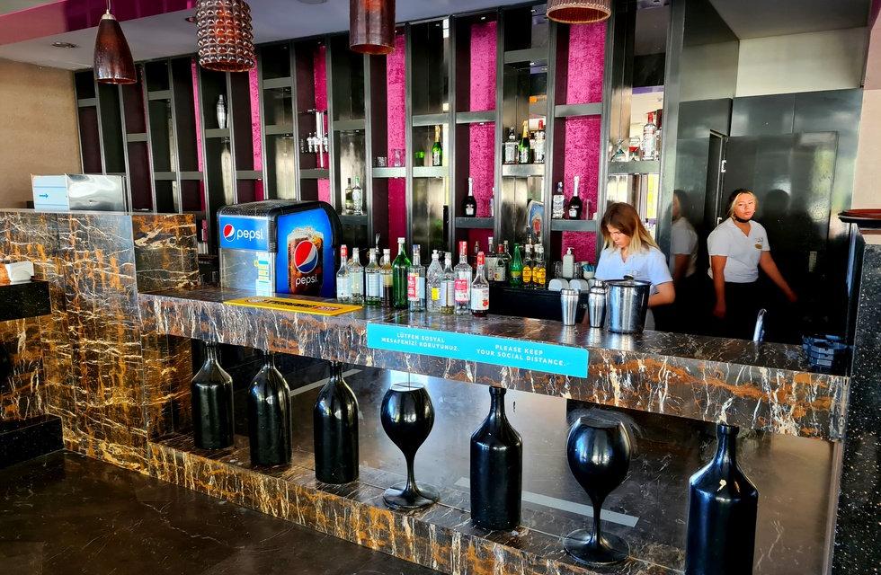 Лобби бар в отеле Thor