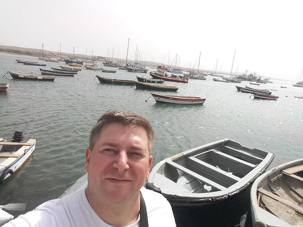 Селфи в порту города Палмейра, Кабо Верде
