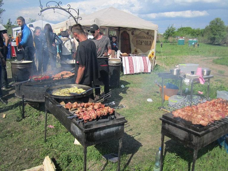 Еда на фестивале