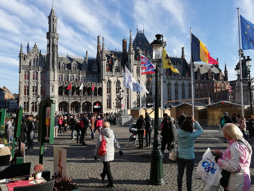 Суд на рыночной площади Брюгге
