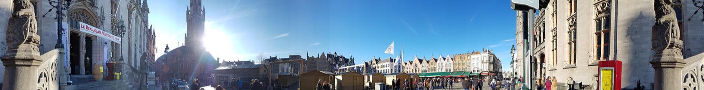 Круговая панорама центральной площади в Брюгге