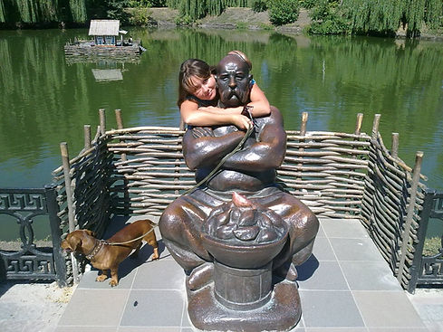 Памятник литературным героям Гоголя
