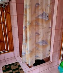 Туалет с душем и бойлером