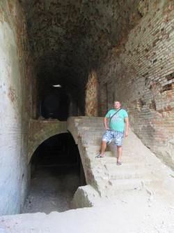 На лестнице форта