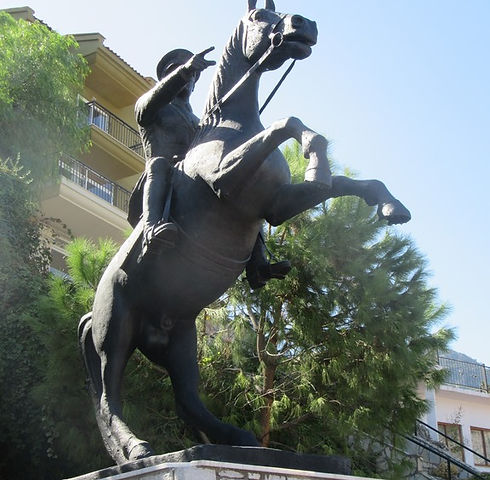 Памятник всаднику в Турунче