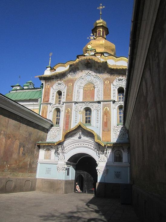 Надвратная церковь в Лавре