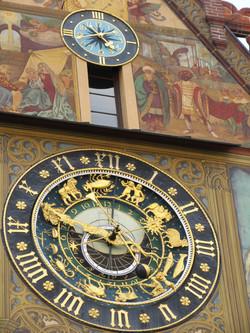 Главные часы города