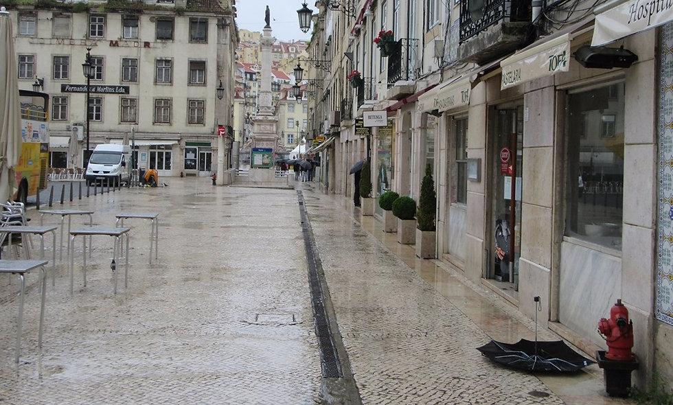Ливень в Лиссабоне