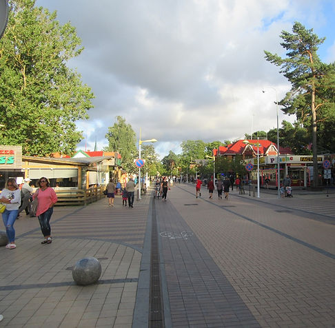 Прогулочная улица в Паланге