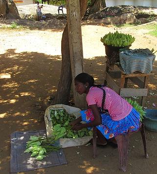 Продавщица на рынке Киринды