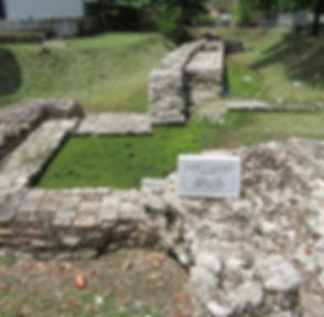 Влёра, фрагмент античной стены