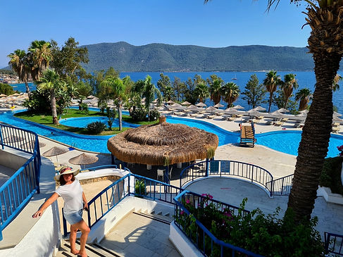 Бассейны отеля Holiday Bodrum Resort