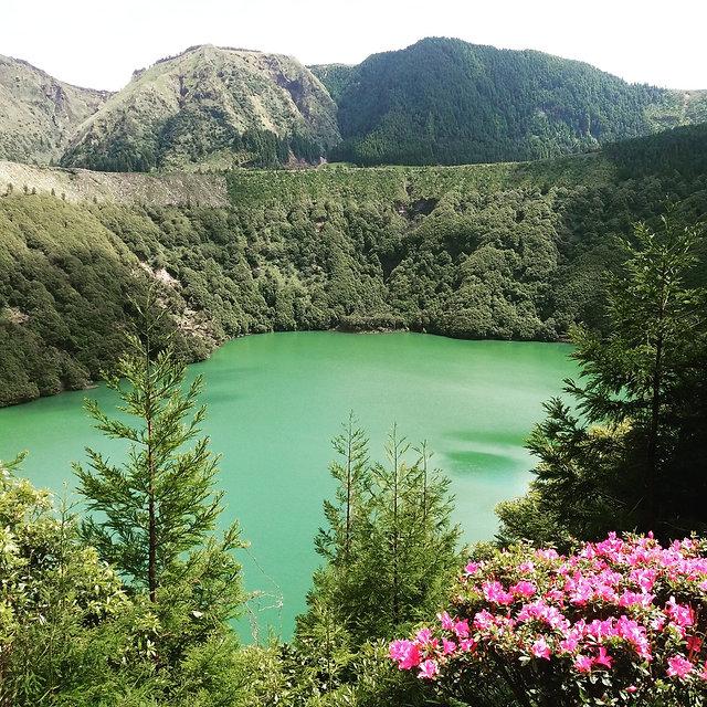 Озеро Сантьяго на острове Сан Мигель