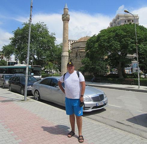 Влера, возле мечети