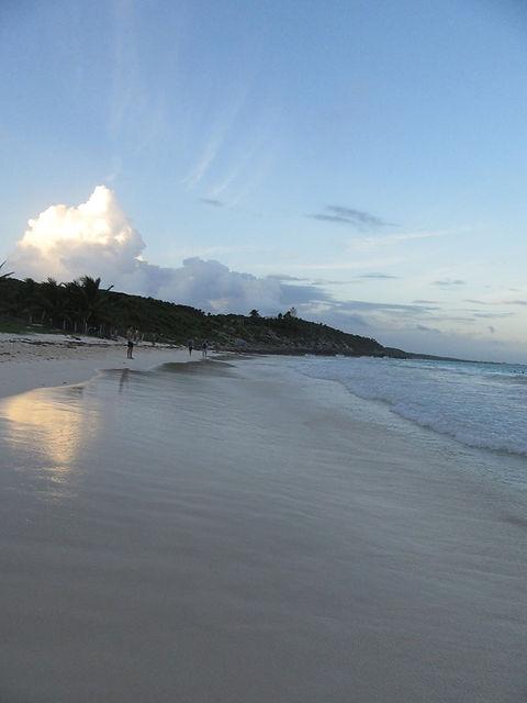 Закат на пляже Тулума