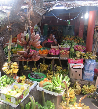 Фрукты на рынке Тангалле