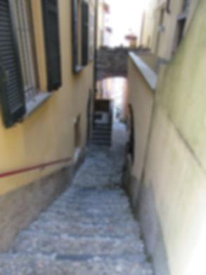 Варенна, улица ведущая к берегу