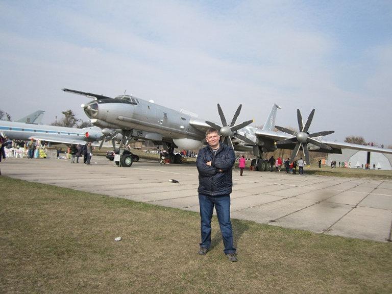 Музей авиации в аэропорту Жуляны