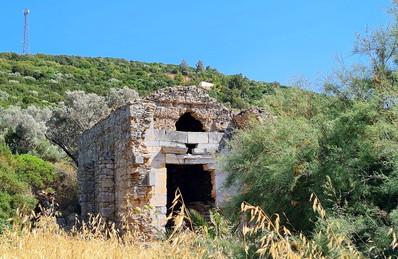 Древние раскопки в посёлке Торба