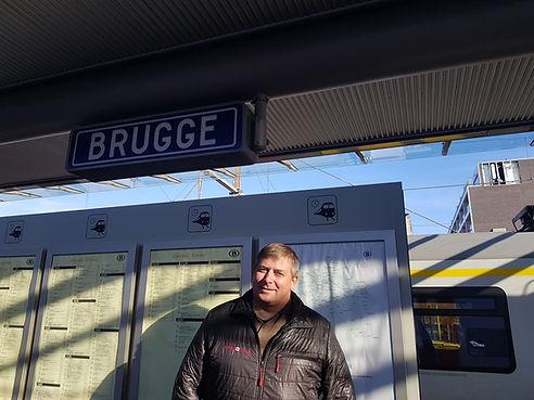 Платформа вокзала в Брюгге