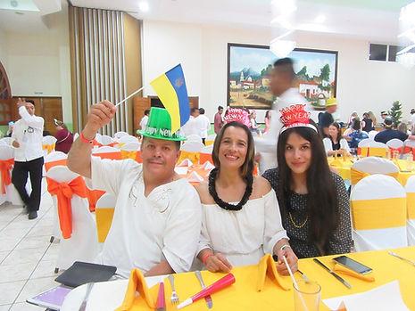 Наши мексиканские друзья с украинским флагом