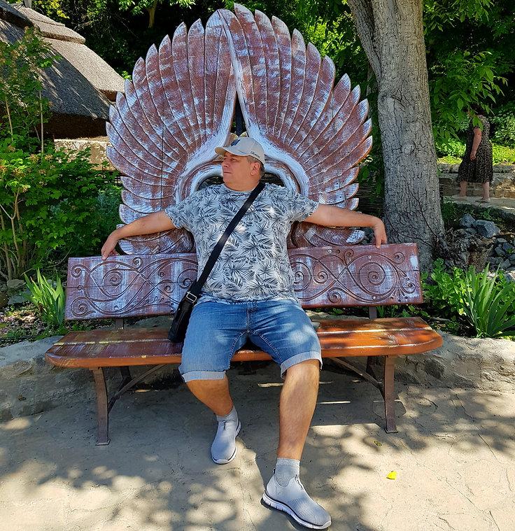 Ангел в парке Новая Софиевка