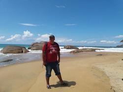 На пляже Киринда - немноголюдно :-)