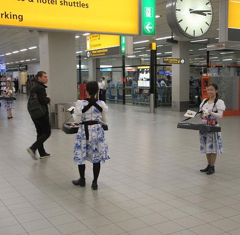 Пончики в аэропорту Амстердама
