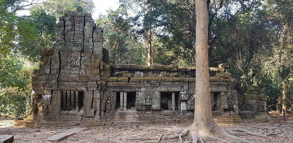 Храм собрали из фрагментов