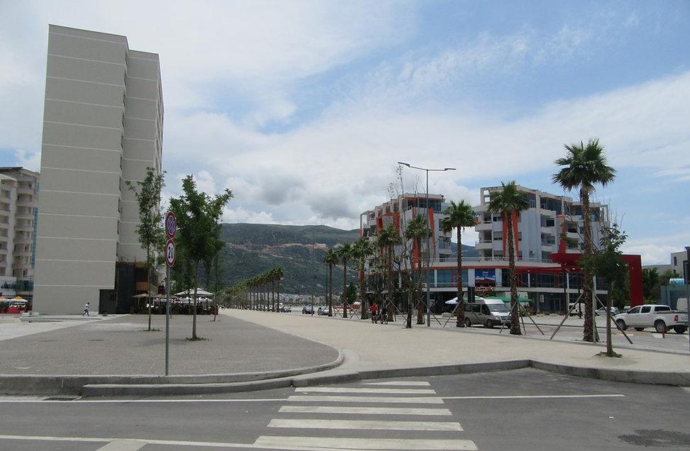 Влера, Албания, на набережной