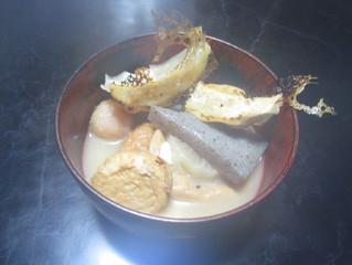 餃子とおでんで寒ーい日におでんを作ってみまました。