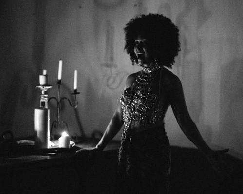 20180527-Shakespeare-Candles-BlackandWhite-12_edited.jpg