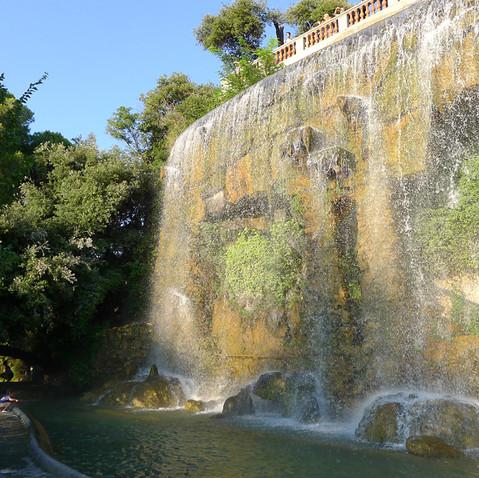 Cascade castle hill waterfall